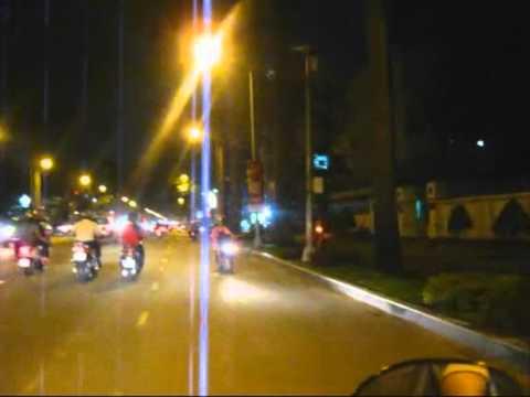 Hai vì sao lạc - Minh Châu (Saigon traffic by night)