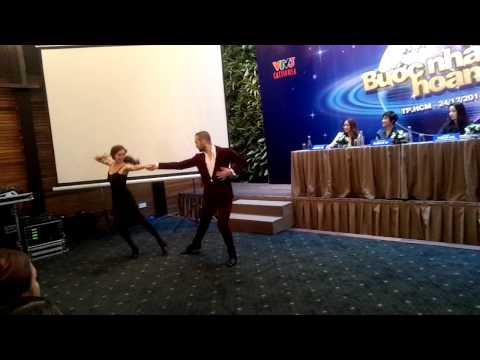 Lan Ngọc khoe tài nhảy trong họp báo Bước nhảy hoàn vũ