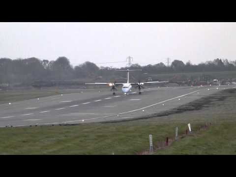 Brussels Airlines Dash 8 successful landing