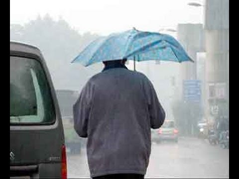 Cold wave tightens grip as rain lashes Delhi