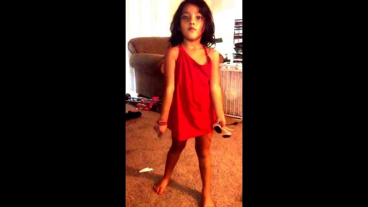 My little Girl dancing reggae - VidoEmo - Emotional Video Unity.