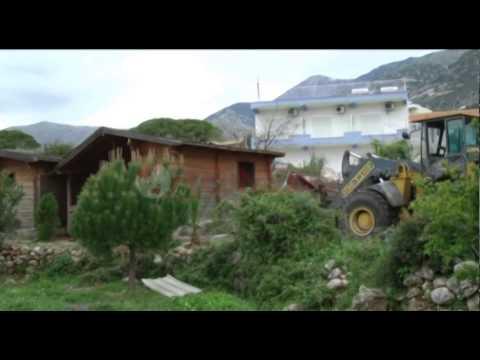 INUK aksion në bregdetin e Vlorës, pas hotelit në Dhërmi shemben të tjera objekte