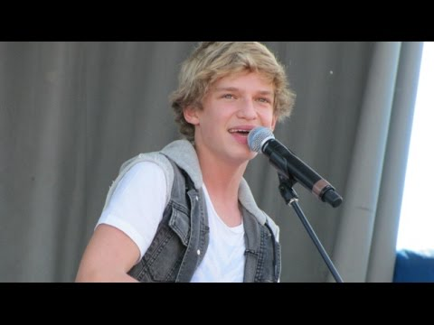 "Cody Simpson Singing ""The Lazy Song"" Live On June 26, 2011"