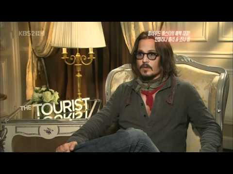 Johnny Depp Saying The Most Perfect Hello in Korean, This is so legit.