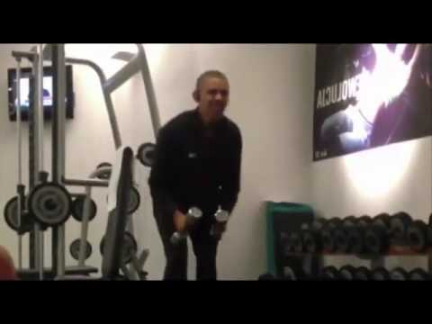 Barack Obama works out in the gym