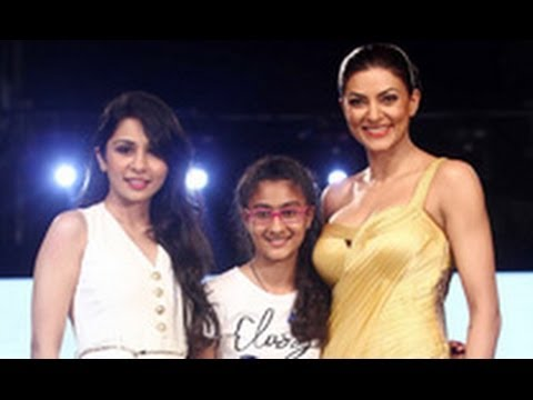 Checkout Gorgeous Sushmita Sen & Lovely Daughter walk the ramp | Hot Hindi Latest News |