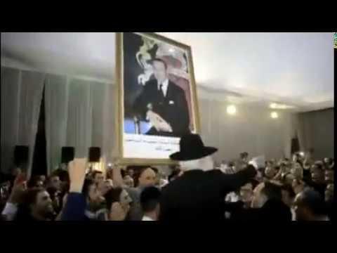 بالفيديو..اليهود يرفعون صورة الملك محمد السادس ويغنون عن الصحراء