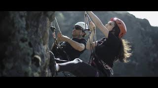 Превью из музыкального клипа Уммон гурухи - Денгиз