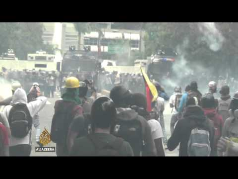 Venezuela students reject talks with Maduro
