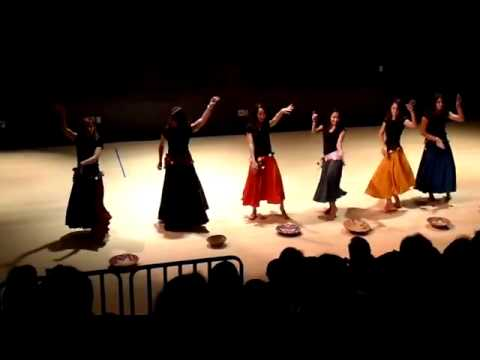 El Hilwa De   Arab Dance   Lovett Middle School November 15, 2009)   Best quality!