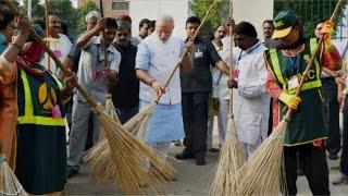 RGV Takes Potshots At Prime Minister Narendra Modi's 'Swacha Bharat' Ad!