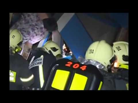RAW] INSIDE Russia Subway Derailment - Moscow Metro Crash - Moscow Metro Train Derail 20 Killed