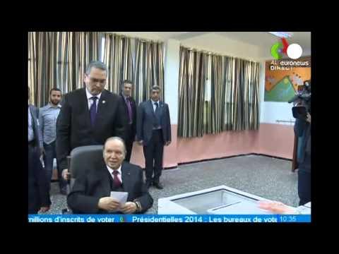 Algérie : Bouteflika vote en fauteuil roulant pour l'élection présidentielle