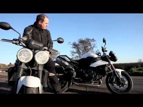 Triumph Speed Triple 1050 - 2011 vs 2010