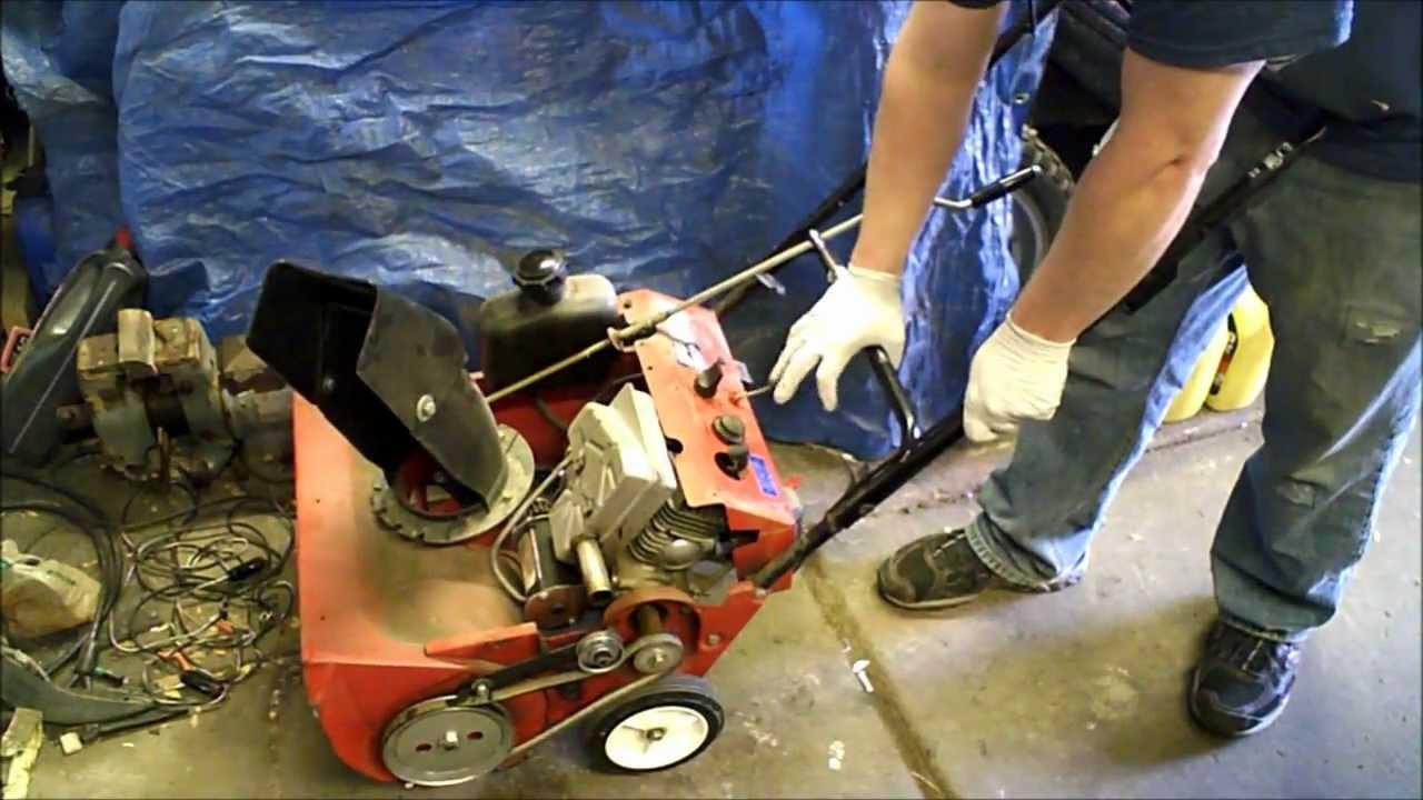 Unseize Stuck 2 Stroke Engine Part 1 Throwing A Rod Youtube