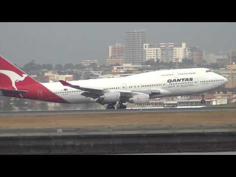 Qantas Airlines B747-400 landing 34L Sydney Airport