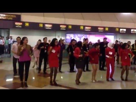 Indonesia Airasia Sub Mob dance