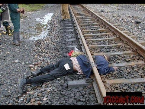 tự tử bị xe lửa cán đứt đôi