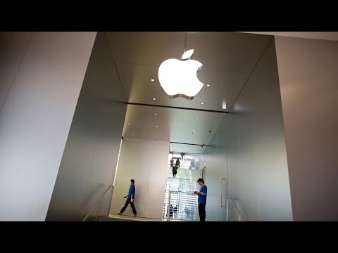 Apple Beats Earnings Estimates, Announces Stock Split