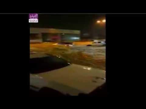 فيضانات بالسعودية تغرق الشوارع