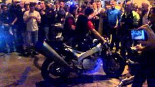 Al Corte Con La Moto En Alcañiz. Motorland 2010