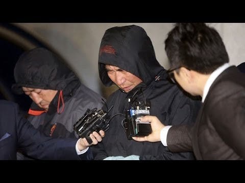 South Korea ferry families watch Captain Speech after Arrested & dive footage