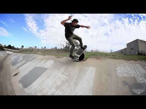 Gravity Skateboards - Guto Lamera Shreds