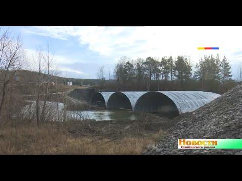 В деревне Новососедово продолжается строительство моста через реку Ик