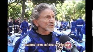 Guardas Muncipais incentivam pr�tica de jiu-jitsu em treino aberto