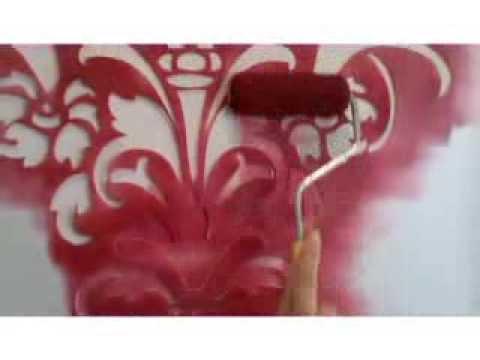 Decora tus paredes con aspecto de papel tapiz o vinilos decorativos con Plantillas Decorativas.