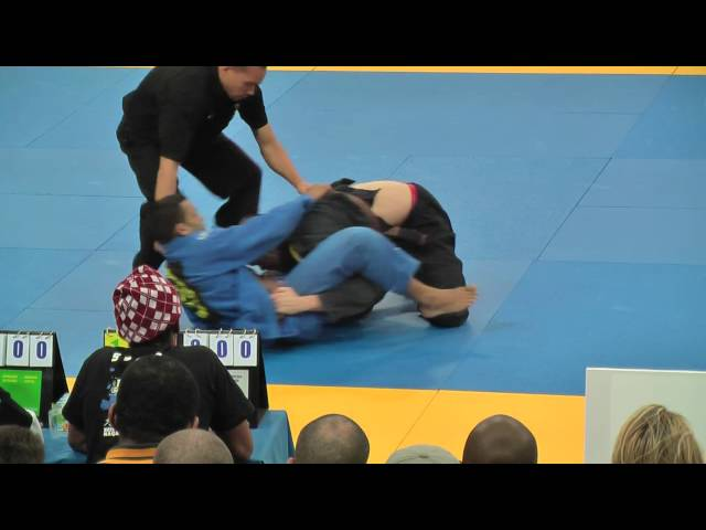 BJJ EM Portugal 2010 -  Ralf Carneborn final -76kg brown belt