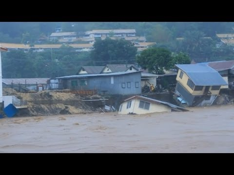 Dramatic video: Flash floods kill 16 in Solomon Islands