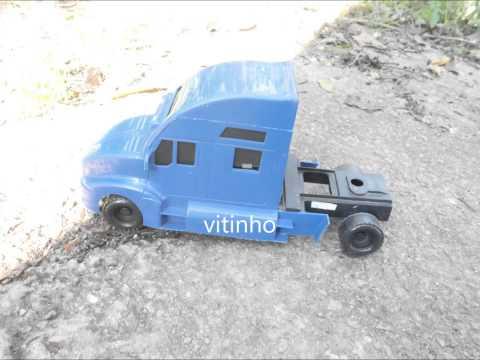 Caminhões de brinquedo. Do  cara de buceta filho da val auau