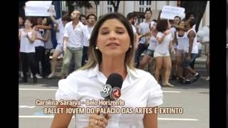 Integrantes do Ballet Jovem protestam em frente ao Pal�cio das Artes