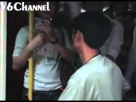Clip người đàn ông van    kẻ móc túi để xin lại bằng lái xe   Zing News   Tin tức 24h