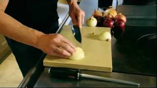 Gordon Ramsay: How to Chop an Onion