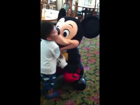 2012-5-27 buffet with Mickey