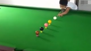 Niño de 3 años genio del Billar