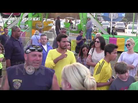 (VIDEO) Kim Kardashian And Family Enjoying Carnival - KUWTK