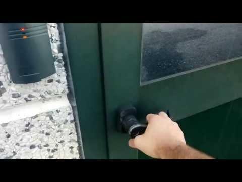Controllo accessi con testina per esterno rfid e concentratore SAC844 in azienda Bologna