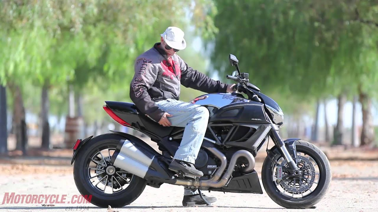 Star Vmax Vs Ducati Diavel