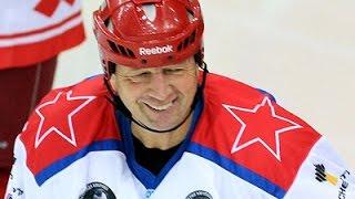 Сергей Гимаев дал звездный мастер-класс артёмовским мальчишкам.