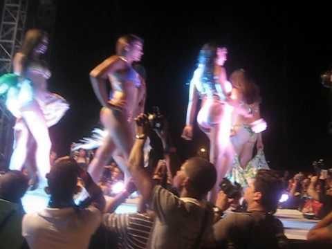 Desfile de las  Miss Caribbean Politan 2013 en Hello Summer