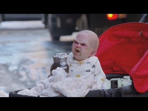 image vidéo Un bébé démoniaque terrorise les habitants de New York