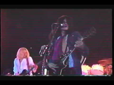 Aerosmith  Toys In The Attic Live 1975 -U9suQV31jTI