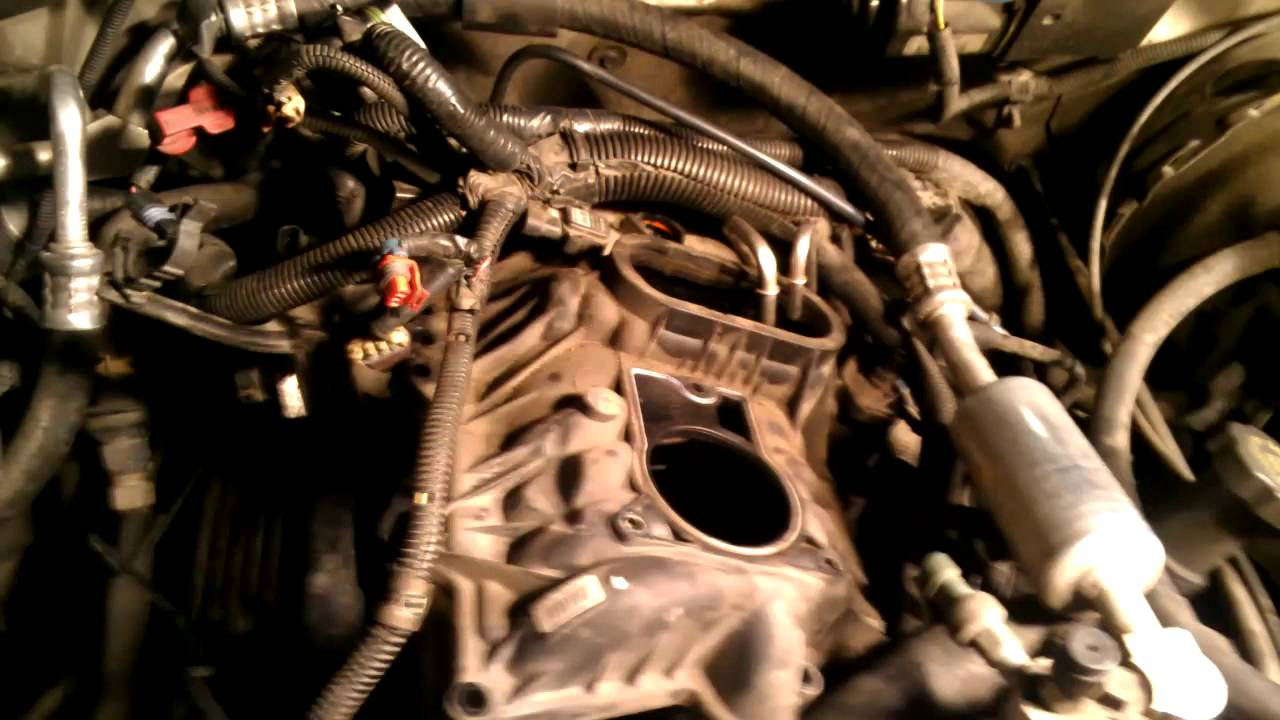 chevy silverado wiring diagram schematic 1999    chevy    tahoe 5 7l fuel pressure regulator youtube  1999    chevy    tahoe 5 7l fuel pressure regulator youtube