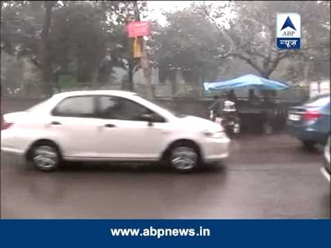 Mercury dips as rain lashes Delhi
