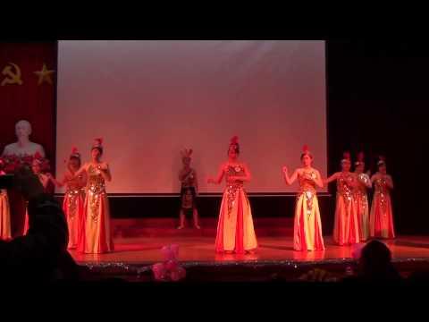 Hát múa Dòng máu lạc hồng K33E Chung kết Hội diễn văn nghệ 2013