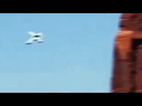Strange UFO Over Monument Valley On May 5, 2014
