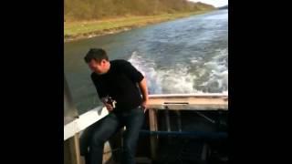 Лодка с двигателем BMW M57D30